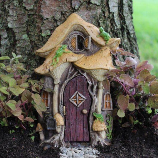 Дверь в дереве