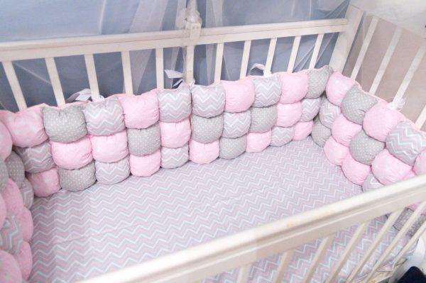 Бортики из маленьких подушечек