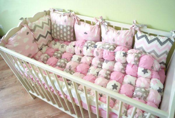 Бортики серо-розовых оттенков