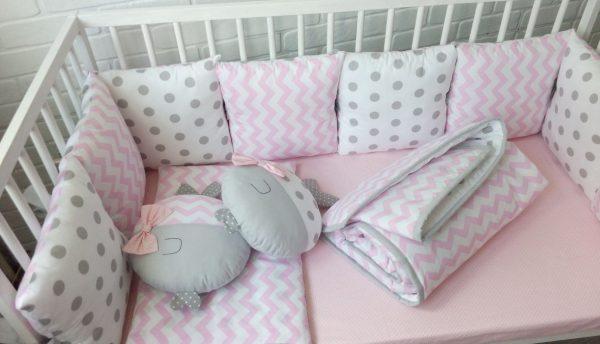 Розово-серые подушечки