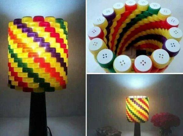 Плафон для светильника из пластиковых крышечек