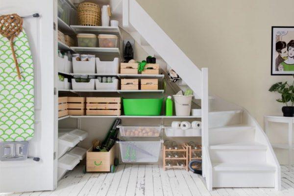 Система хранения под лестницей