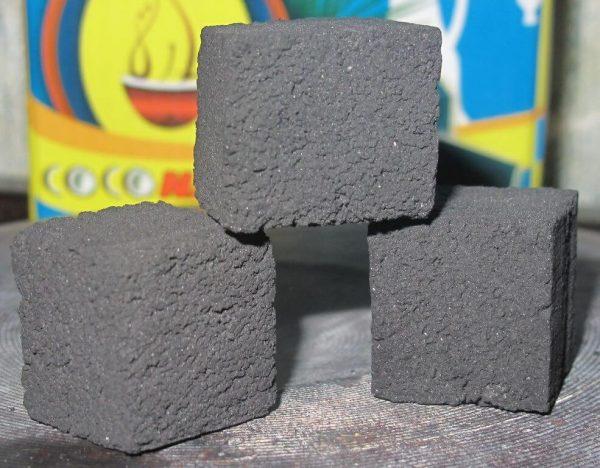 Кокосовый уголь в брикетах