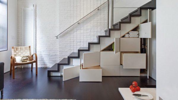 Современные шкафы под лестницей