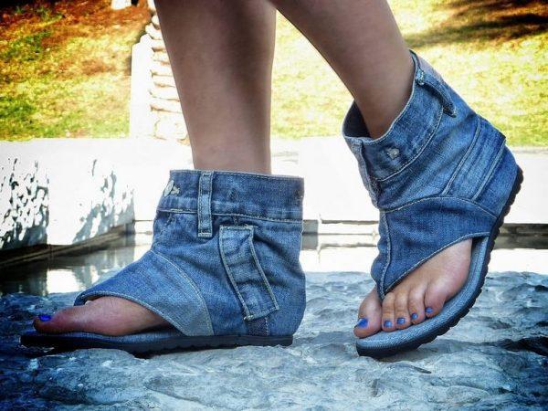 Джинсовые сандалии