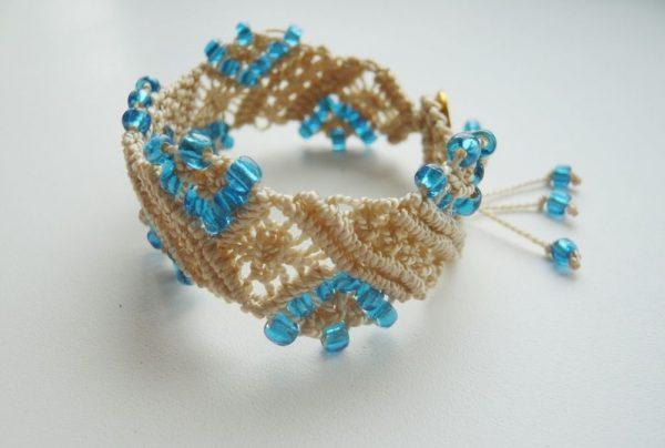 Голубой бисер