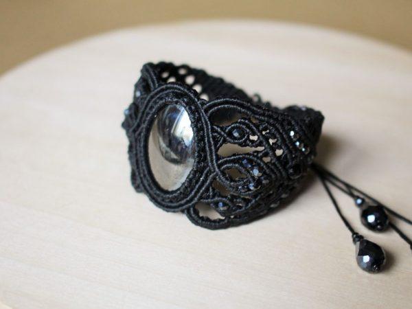 Чёрный браслет