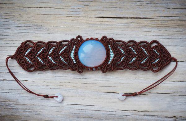Коричневый браслет