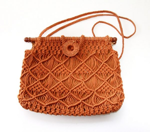 Ажурная сумочка оранжевого цвета
