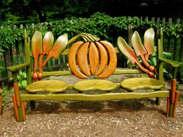 Интересная скамейка