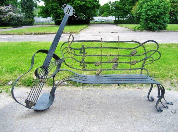 Музыкальная лавочка