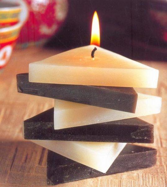 Чёрно-белая свеча