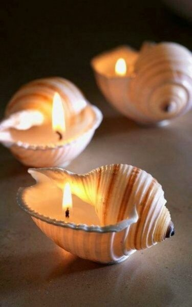 Свечи в ракушках