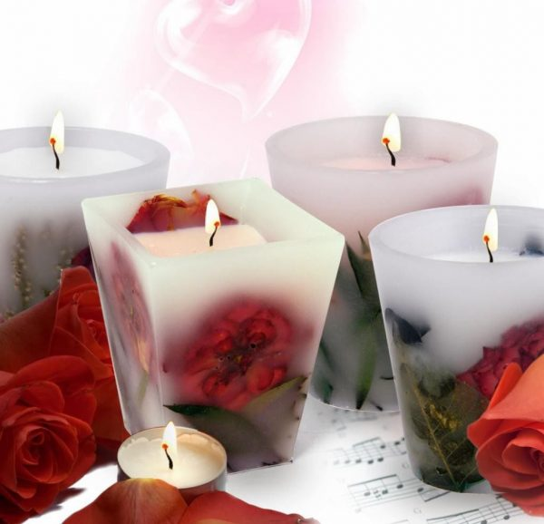 Роза в свече