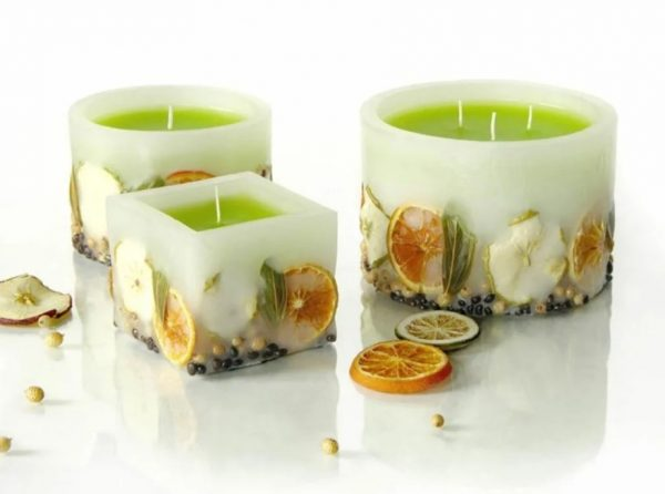 Ароматная свеча с дольками апельсина и лайма