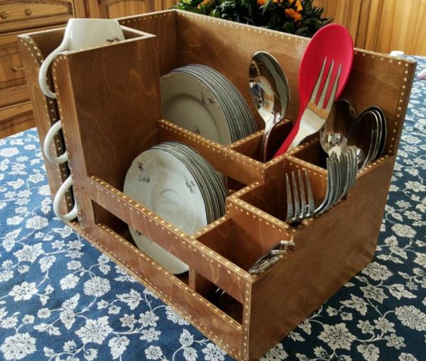 Деревянный ящик для посуды