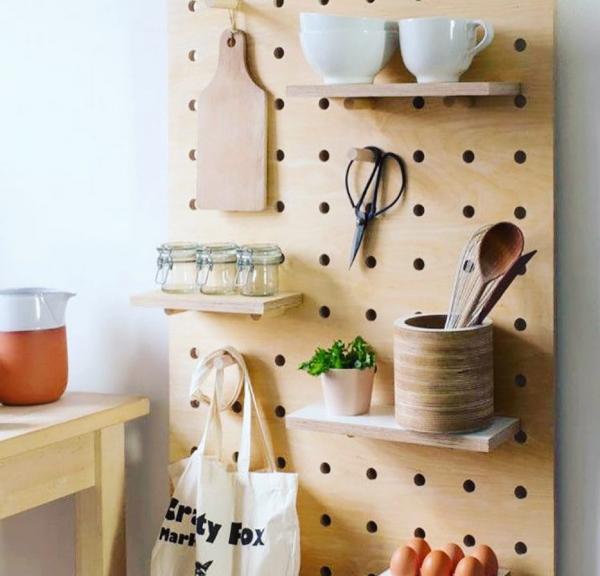 Настенная панель для посуды