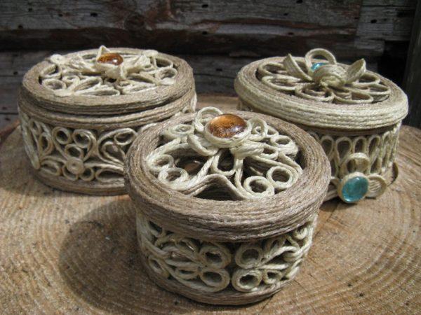 Шкатулки из джута с камнями