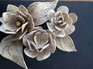 Цветы из джутовой нити