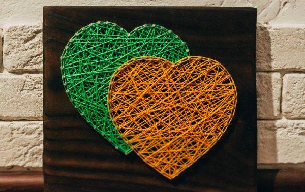 Два сердечка в технике стринг-арт