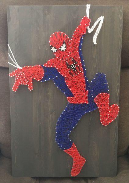 Человек-паук в технике стринг-арт