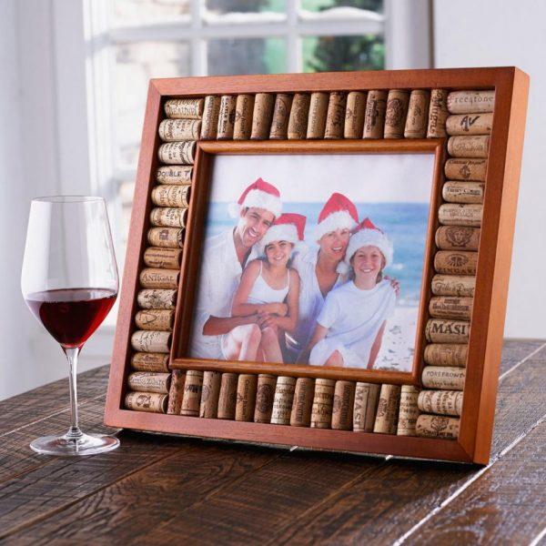 Фоторамка из пробок от вина