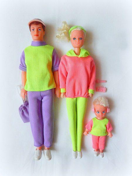 Кукла Барби с семьёй