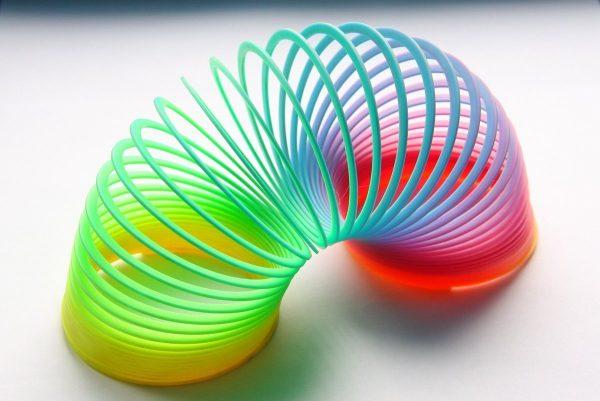 Разноцветная пружинка
