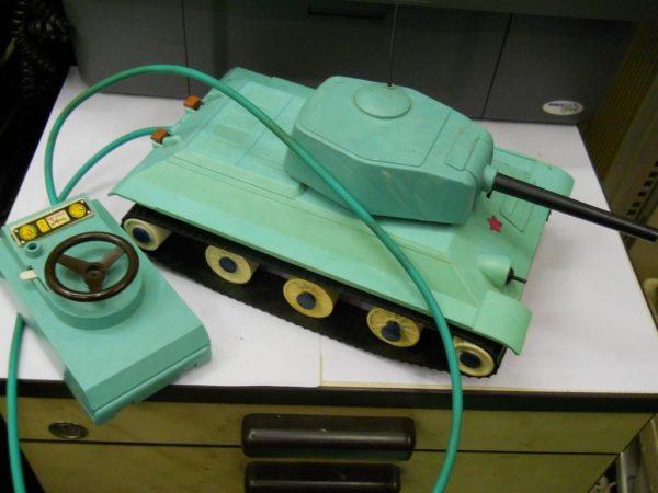 Управляемый танк
