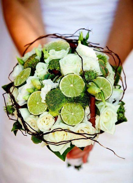 Зелёный букет из брокколи и лаймов