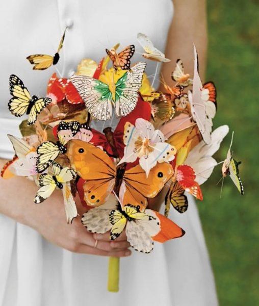 Букет из искусственных бабочек