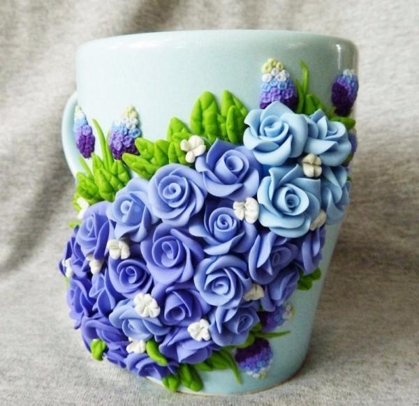 Кружка с цветами из полимерной глины