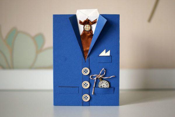 Открытка-костюм