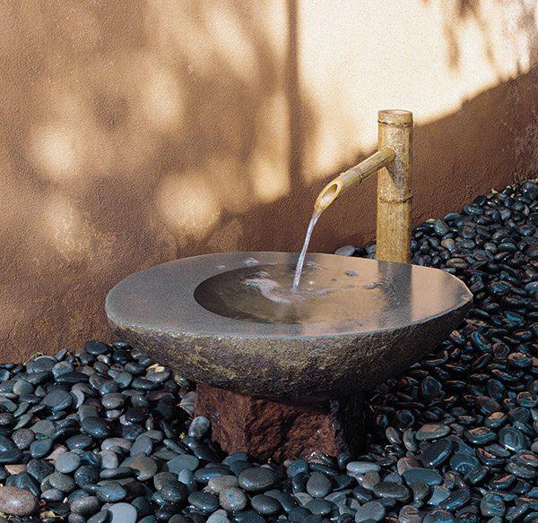 Мойка для ног из камня на даче