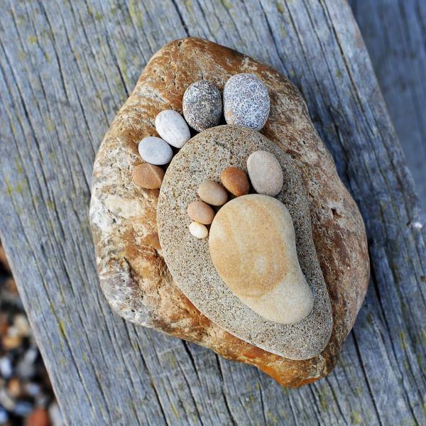 Ножки из камней