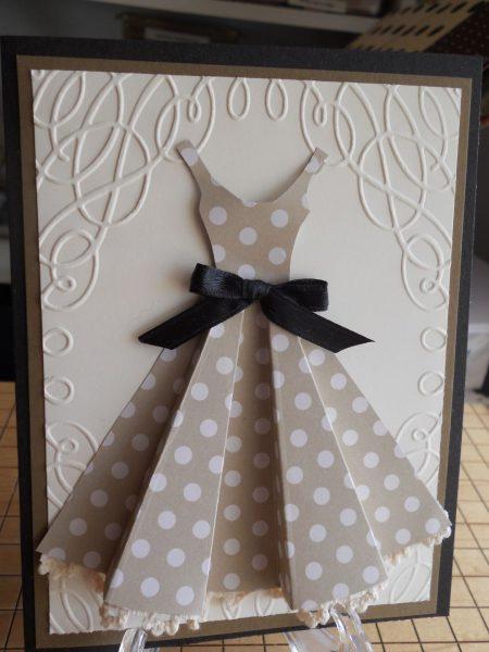 Объёмное платье на открытке