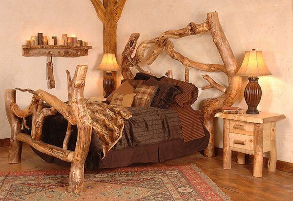 Огромная кровать из дерева