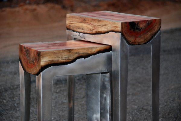 Стул из дерева и металла