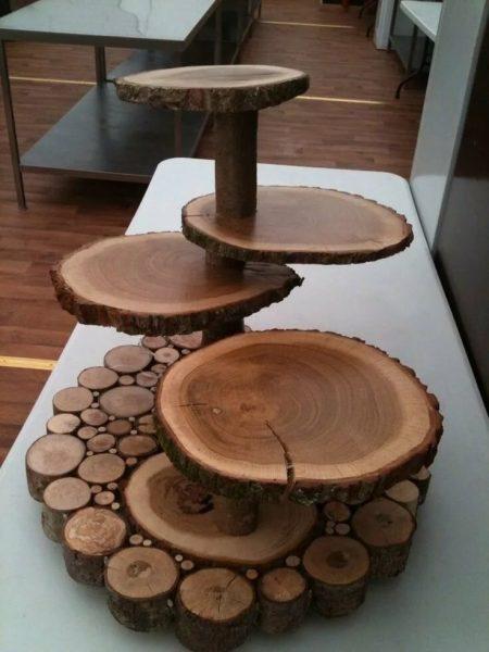 Подставка из деревянных срезов
