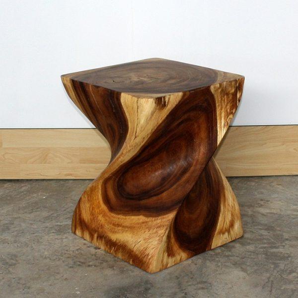 Универсальный стул из дерева