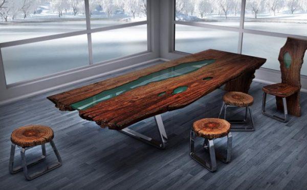 Стол для переговоров из дерева