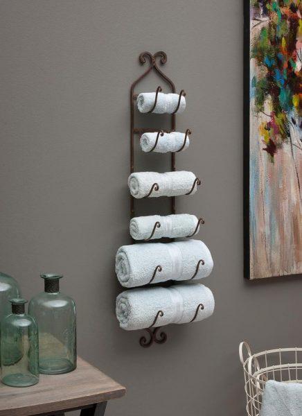 Вешалка с изящными полочками для полотенец