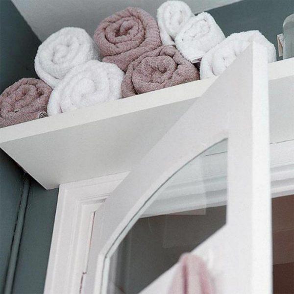 Полка для полотенец над дверью