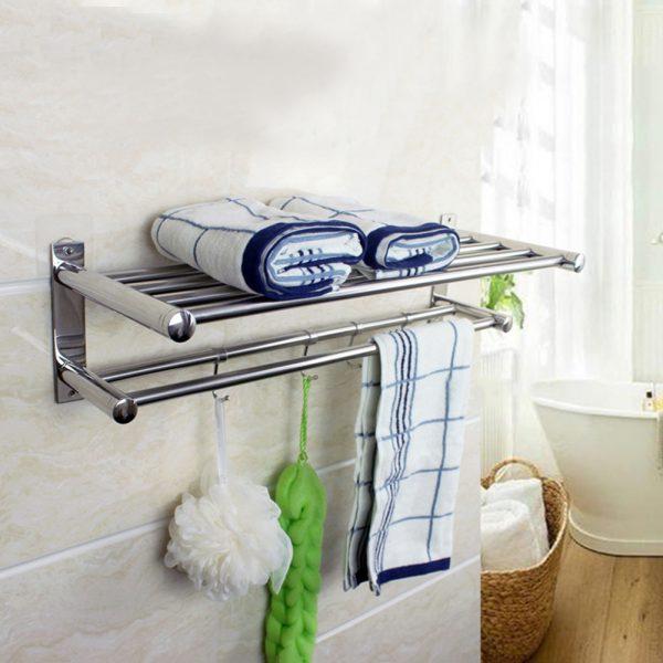 Полка с перекладинами и крючками для полотенец