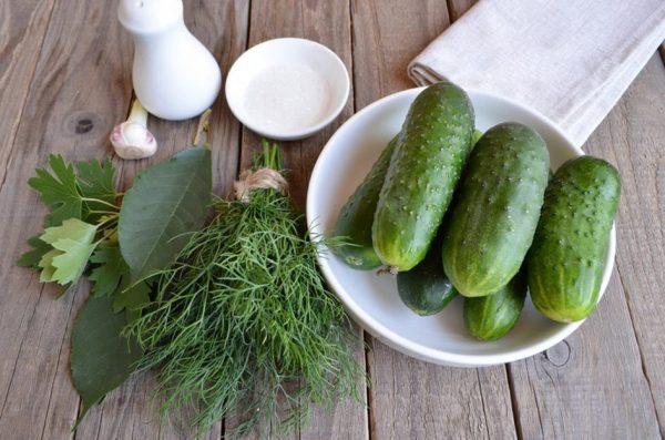 Продукты для приготовления солёных огурцов