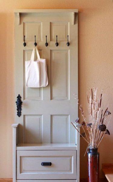 Крючки для хранения вещей в коридоре