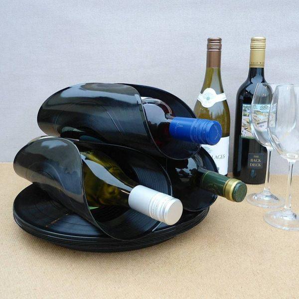 Держатель для вина из виниловых пластинок