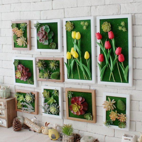 Композиция из нескольких картин с цветами