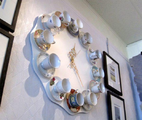 Часы из чашечек