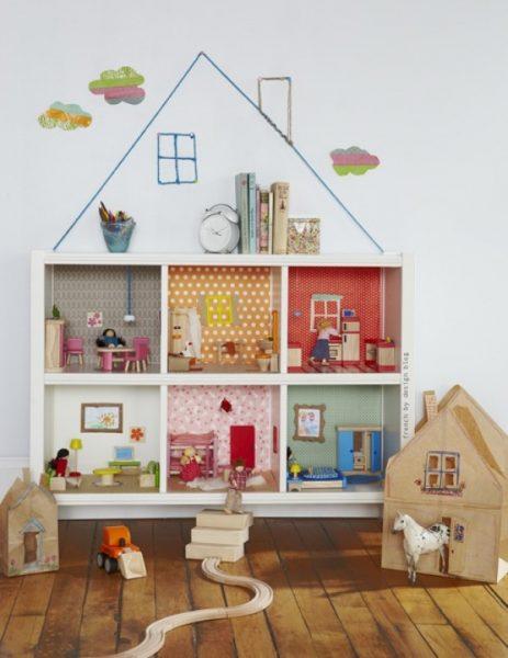 Украшение кукольного домика